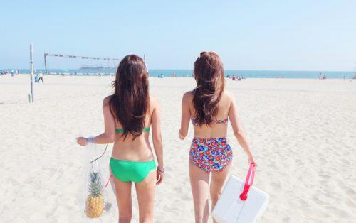 Váy và bikini