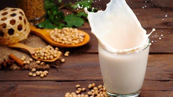 Đúng hay sai: Vô sinh khi uống sữa đậu nành?