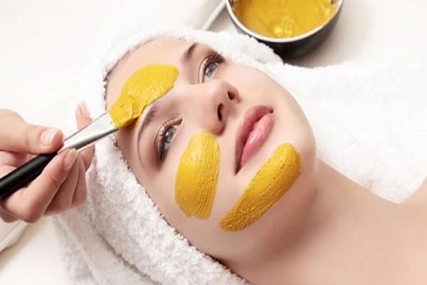 Cách làm mặt nạ tinh bột nghệ trị thâm