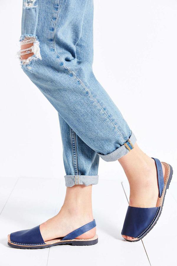 Sandal Mule phù hợp cho cô nàng có đôi bàn chân dài, thô