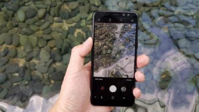 Người dùng không biết cách lấy nét khi chụp ảnh bằng camera đằng sau