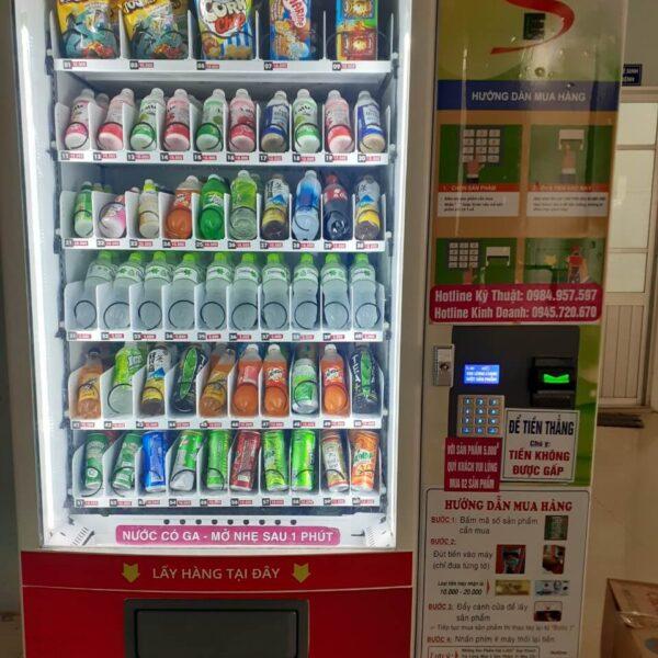 bán đa dạng các chủng loại sản phẩm trong máy bán hàng tự động V01